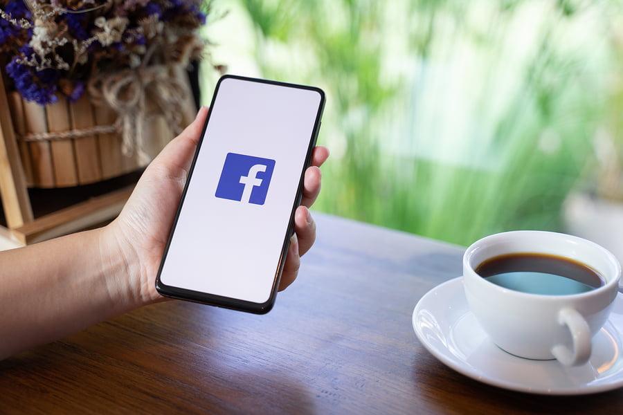 Jak dodać czat facebooka na stronę